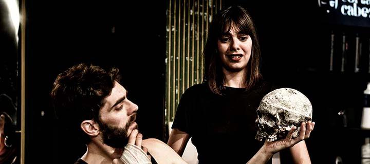 12€ en tus entradas para 'Lavar, marcar y enterrar' en el Teatro Lara