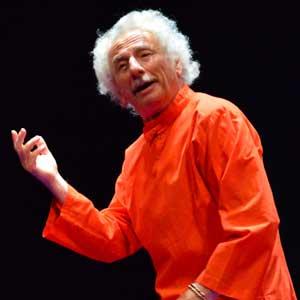 El Brujo adapta para el teatro 'Autobiografía de un yogui'