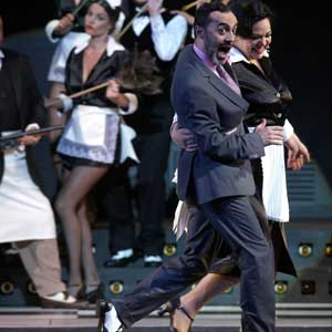 El Teatro de la Zarzuela recupera su normalidad con el estreno de '¡24 horas mintiendo!'