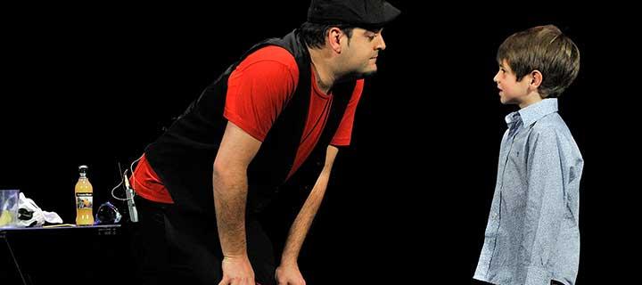 Finalizada: Entradas a 8€ y 10€ para 'Un papá mago ¡el show!' en los Teatros Luchana