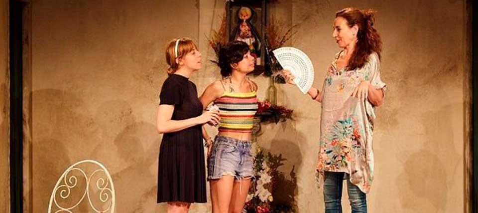 Entradas a 14€ para ver 'La Pilarcita' con Ana Castillo en el Teatro Lara