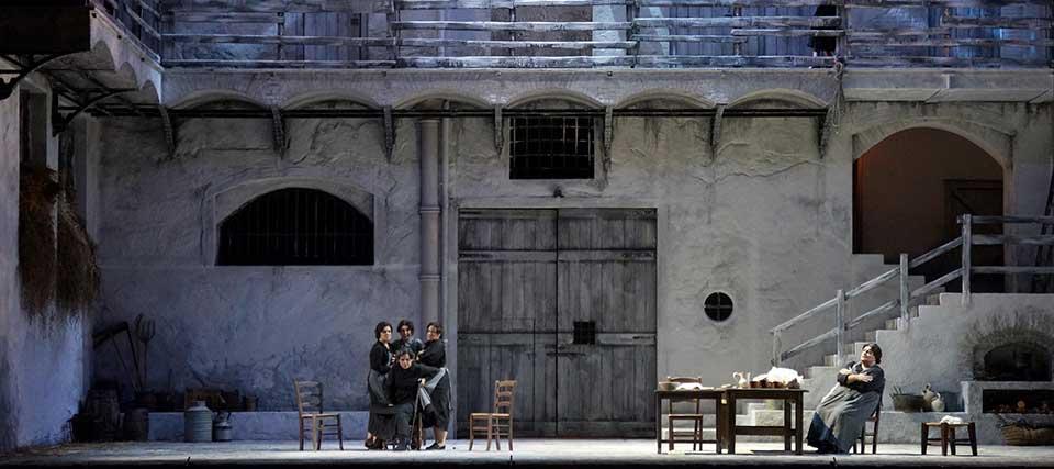 La casa de Bernarda Alba: Teatro de la Zarzuela