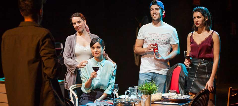Entradas a 12€ para ver 'A mesa puesta' en el Teatro Lara