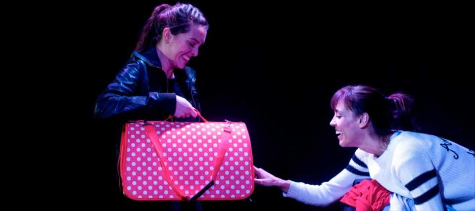 Entradas a 12€ para 'No más besos' en el Teatro Lara