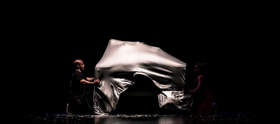Entradas a 12€ para 'Mago Sun: HOUDINI, el mago del club' en el Teatro Lara