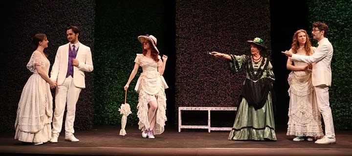 Finalizada: Consigue descuentos en tus entradas para 'La importancia de llamarse Ernesto' en el Teatro Maravillas